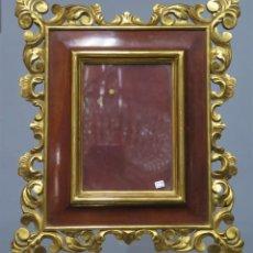 Antigüedades: ANTIGUO MARCO DE MADERA EN PAN DE ORO. SIGUIENDO MODELOS BARROCOS. Lote 212025815