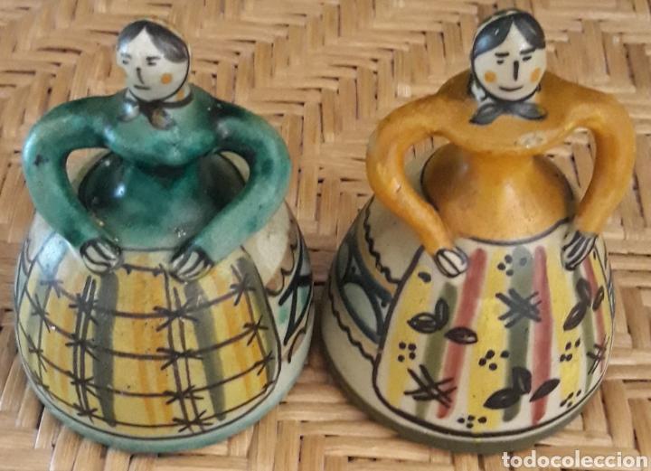 PAREJA CAMPANAS DE CERAMICA PUENTE DEL ARZOBISPO (Antigüedades - Porcelanas y Cerámicas - Puente del Arzobispo )