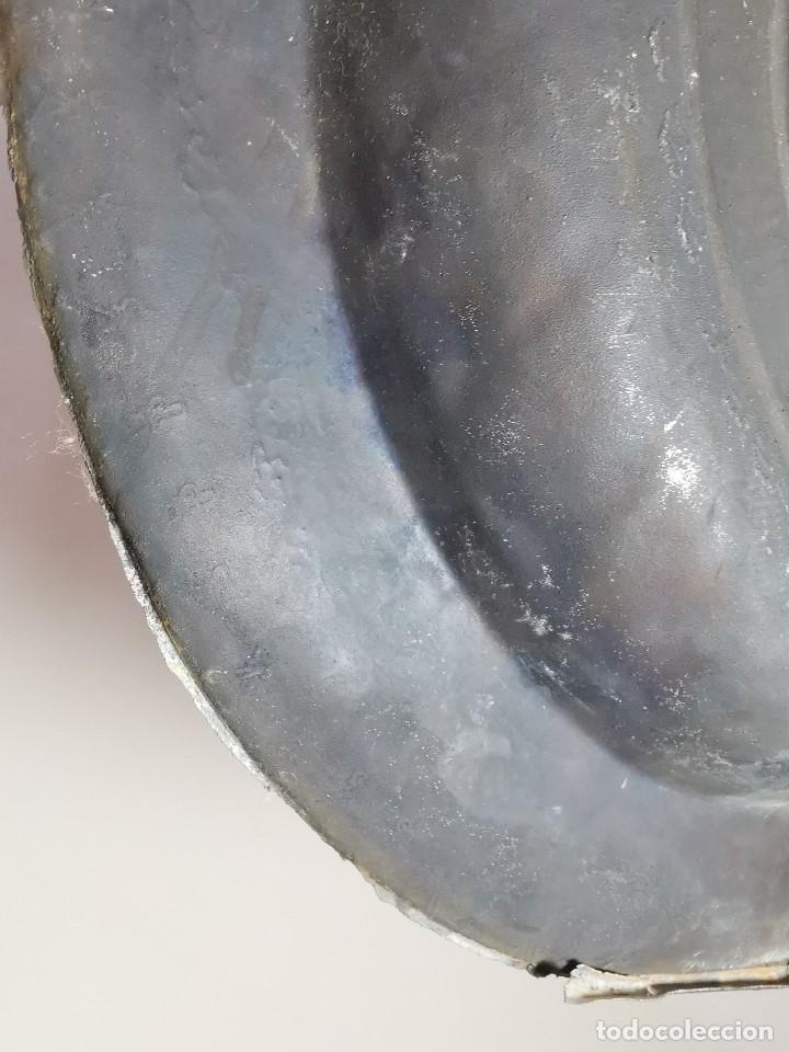 Antigüedades: Original plato petitorio limosnero de latón del siglo XVI - Foto 17 - 212105273