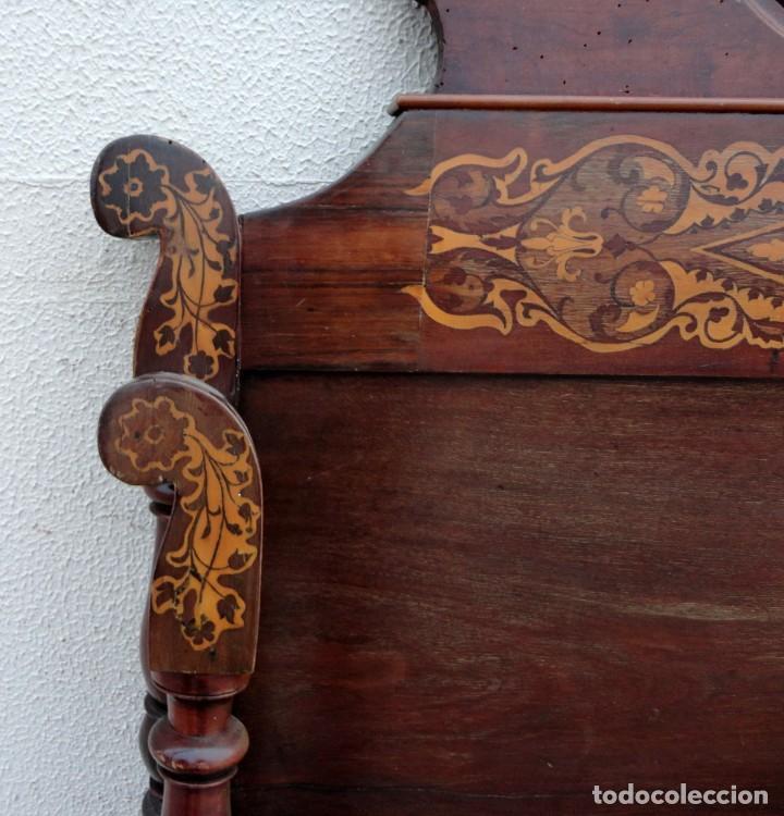 Antigüedades: Cama Fernandina en madera de caoba con marqueteria - Foto 11 - 212206882
