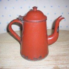 Antigüedades: ANTIGUA CAFETERA METAL ESMALTADO ROJO INGLES .. Lote 212210076