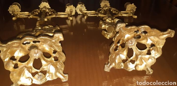 Antigüedades: Conjunto de candelabros y reloj en bronce años 70 - Foto 13 - 212216516