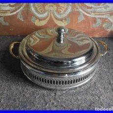 Antigüedades: FUENTE REDONDA CON TAPA DE METAL PLATEADO SILVER PLATED. Lote 212217217