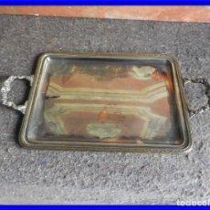 Antigüedades: BANDEJA CON ASAS DE ALPACA CON ESPIGAS EN LOS CANTOS. Lote 212217522