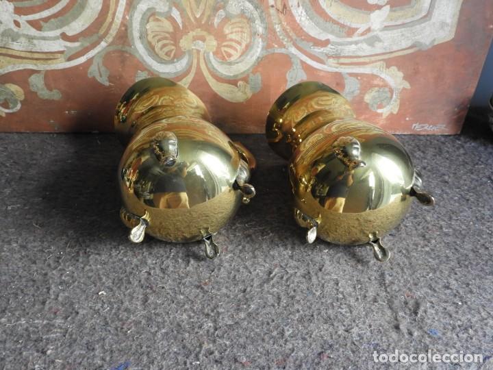 Antigüedades: PAREJA DE JARRAS DE LATON - Foto 7 - 212217826