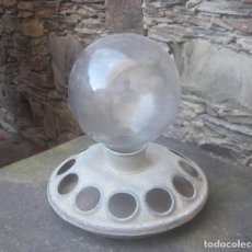 Antigüedades: BEBEDERO AVES CON BOMBA CRISTAL. Lote 212271157