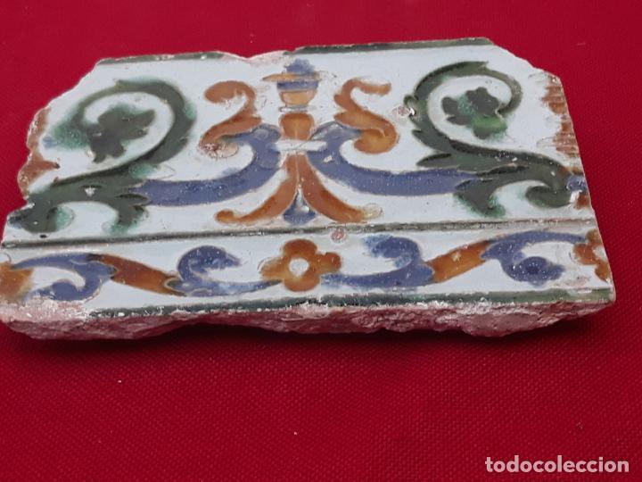 Antigüedades: AZULEJO ANTIGUO DE TOLEDO - ARISTA - RENACIMIENTO - SIGLO XVI. - Foto 2 - 212309932