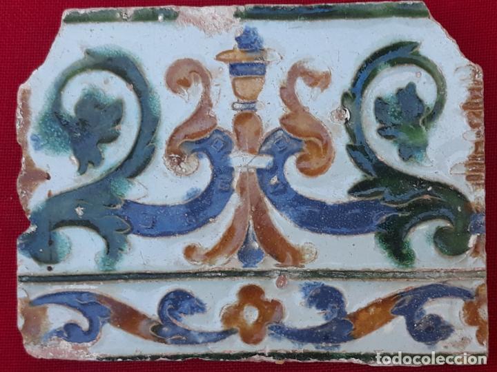 Antigüedades: AZULEJO ANTIGUO DE TOLEDO - ARISTA - RENACIMIENTO - SIGLO XVI. - Foto 3 - 212309932