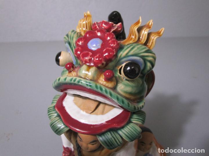 Antigüedades: Bonita Figura China - Baile del Dragón - Terracota - Sello en la Base - Foto 5 - 212325550
