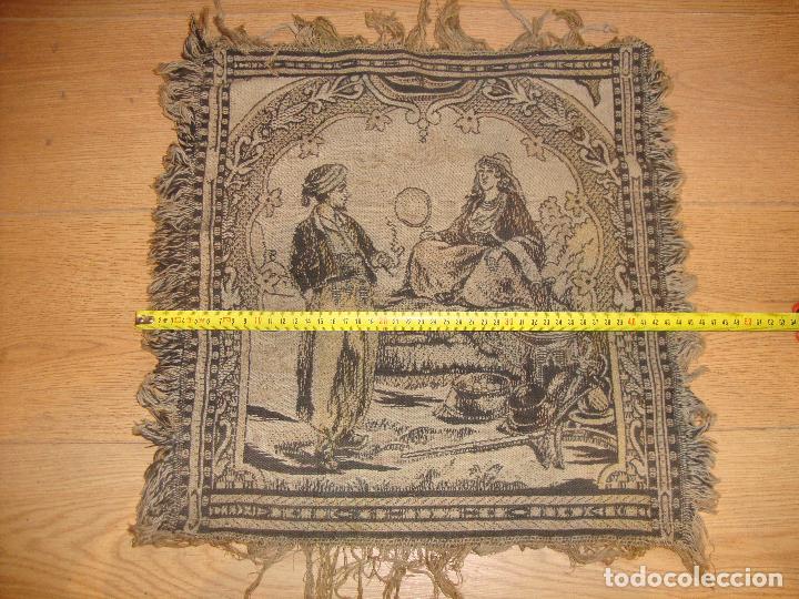 Antigüedades: ANTIGUO TAPIZ DE 44 X 44 CM APROXIMADOS - Foto 2 - 212325752