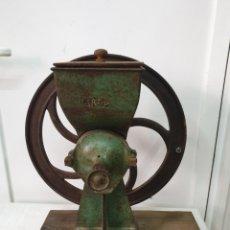 Antigüedades: DESGRANADOR DE MAZORCAS DE MAIZ. Lote 212375161