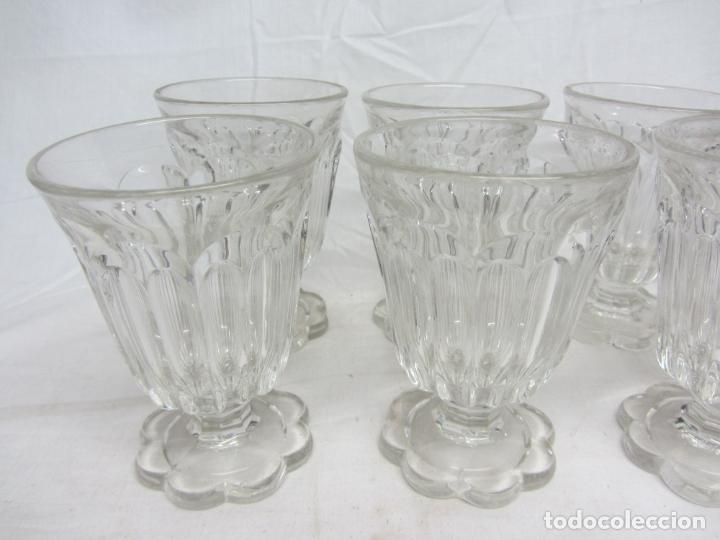 Antigüedades: Ocho copas para agua de cristal prensado - Poss. Baccarat - Circa 1900 - Foto 2 - 212401243