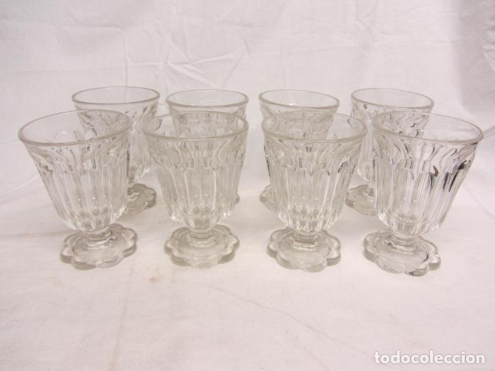 Antigüedades: Ocho copas para agua de cristal prensado - Poss. Baccarat - Circa 1900 - Foto 4 - 212401243