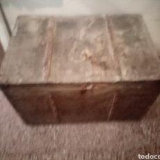 Antigüedades: ANTIGUO BAÚL DE MADERA. Lote 212415375