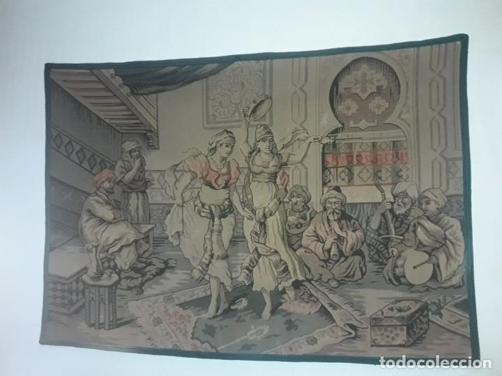 Antigüedades: Excepcional antiguo tapiz de gran tamaño con bellos colores motivos Árabes 181x127cm - Foto 3 - 212428528