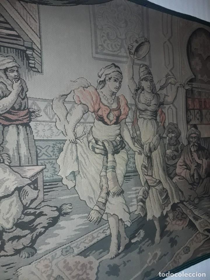 Antigüedades: Excepcional antiguo tapiz de gran tamaño con bellos colores motivos Árabes 181x127cm - Foto 4 - 212428528