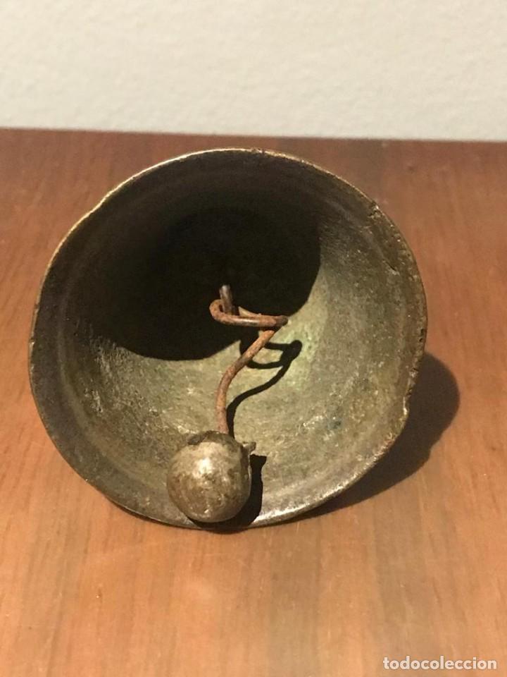 Antigüedades: PEQUEÑA CAMPANA DE BRONCE - Foto 4 - 212431428