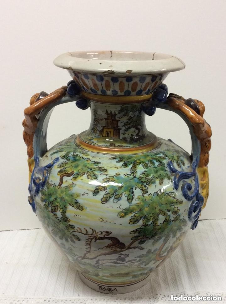 JARRÓN DE CERÁMICA DE TALAVERA - RUIZ DE LUNA.FIRMADO (Antigüedades - Porcelanas y Cerámicas - Talavera)