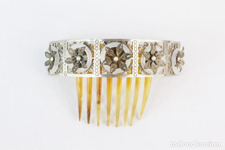 Antigüedades: Preciosa peineta tiara isabelina s XIX. Montaje de bisagra articulado, metal cincelado. - Foto 2 - 212501965