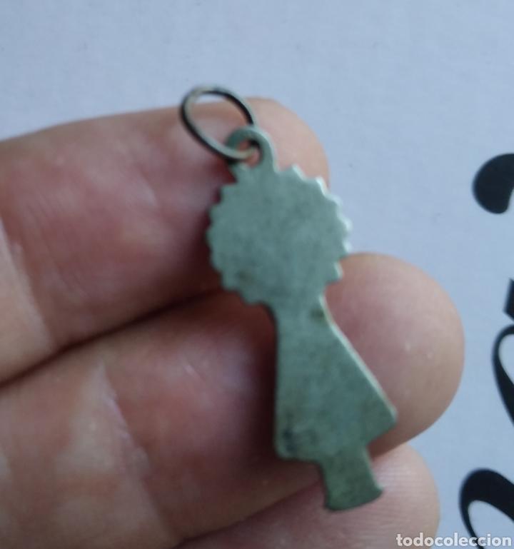 Antigüedades: Medalla Plata silueta nuestra señora del Pilar virgen 25 x 10 mm - Foto 2 - 212564673