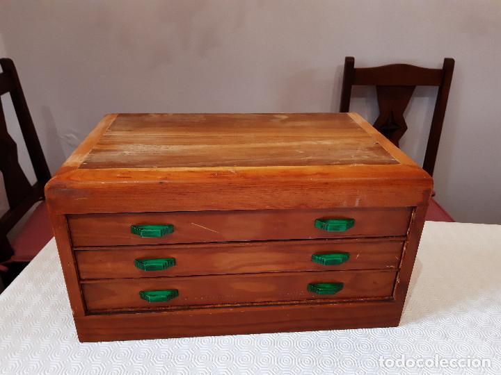 CAJONERA DE MADERA HILADURAS FABRA Y COATS. (Antigüedades - Muebles Antiguos - Auxiliares Antiguos)