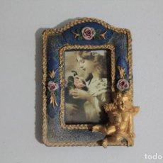 Antigüedades: ANTIGUO PORTA FOTOS EN MINIATURA. Lote 212603622