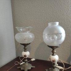 Antigüedades: ANTIGUAS PAREJA DE LÁMPARAS, QUINQUE PORCELANA Y METAL ,. Lote 212608950