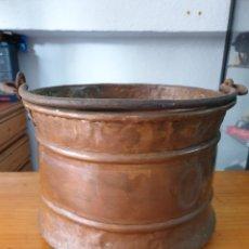 Antigüedades: CALDERO DE COBRE CON ASA DE HIERRO FORJADO.. Lote 212632012