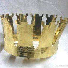 Antigüedades: CORONA PARA IMAGEN VIRGEN O SANTO CORONADO DE BRONCE. MED. 14 CM DIAMETRO. Lote 212743912