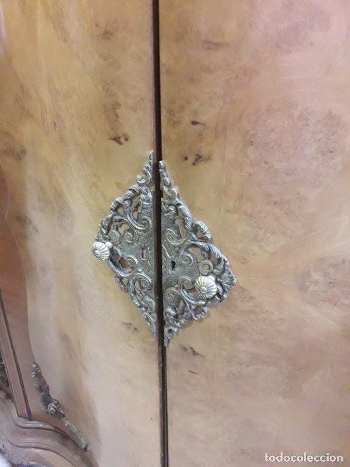Antigüedades: armario de 4 puertas - Foto 2 - 212750145