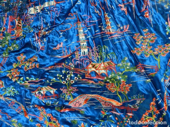 (M) MANTÓN DE MANILA ESCENA CHINA DE COLOR AZUL, 140X140CM, BUEN ESTADO (Antigüedades - Moda - Mantones Antiguos)