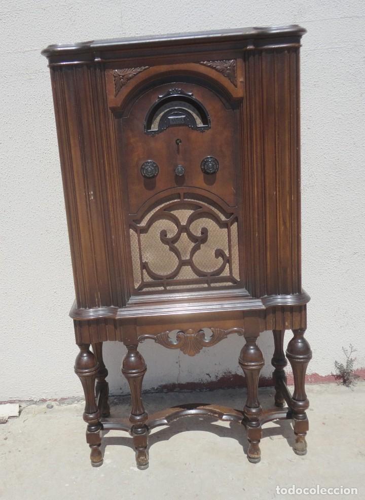MUEBLE RADIO, MARCA PILOT DE BARCELONA 112 DE ALTO (Antigüedades - Muebles Antiguos - Auxiliares Antiguos)