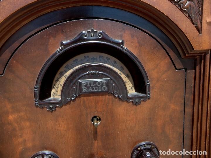 Antigüedades: Mueble radio, marca Pilot de Barcelona 112 de alto - Foto 6 - 212798848