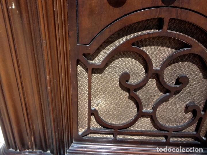 Antigüedades: Mueble radio, marca Pilot de Barcelona 112 de alto - Foto 10 - 212798848