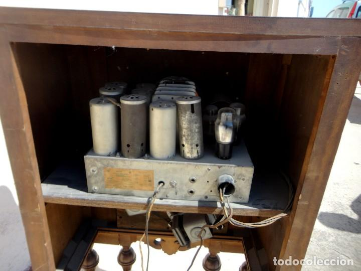 Antigüedades: Mueble radio, marca Pilot de Barcelona 112 de alto - Foto 11 - 212798848