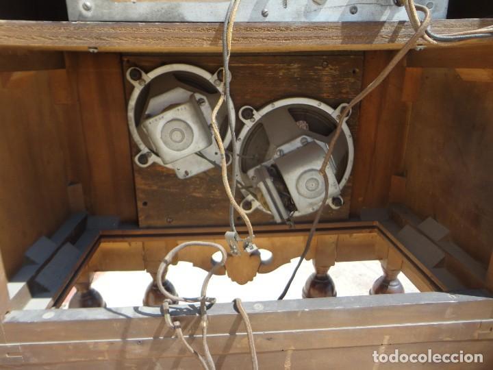 Antigüedades: Mueble radio, marca Pilot de Barcelona 112 de alto - Foto 12 - 212798848
