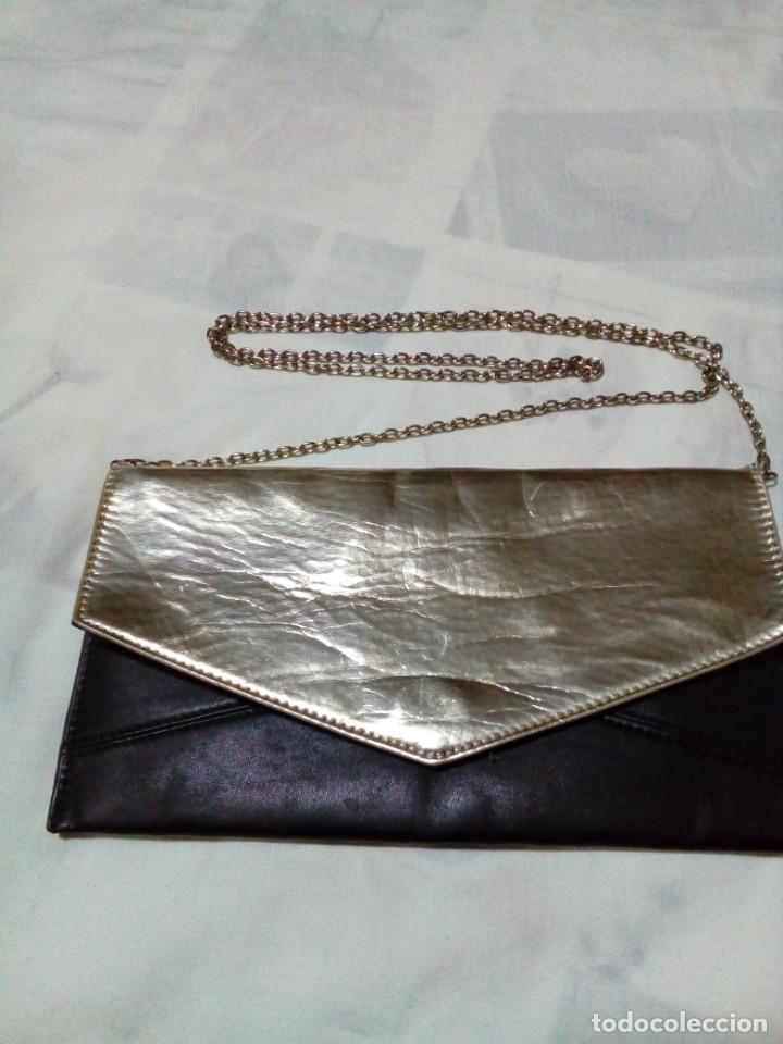 ELEGANTE BOLSO DE NEGRO Y ORO (Antigüedades - Moda - Bolsos Antiguos)