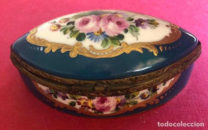 Antigüedades: Antigua caja de porcelana Francesa, de colección. - Foto 4 - 212900052