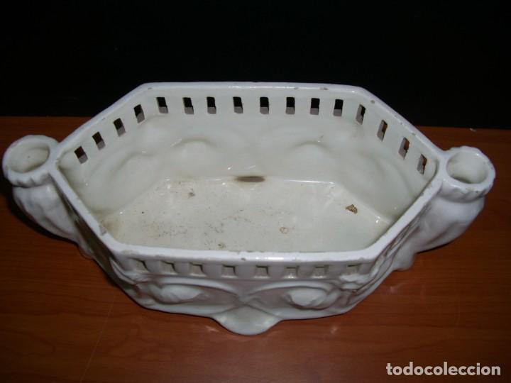 Antigüedades: PEQUEÑA JARDINERA EN CERÁMICA - Foto 2 - 212929142