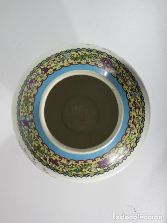 Antigüedades: Pareja de Jarrones Tibor - Porcelana con Motivos Orientales - Sello en la Base - Foto 8 - 212951365