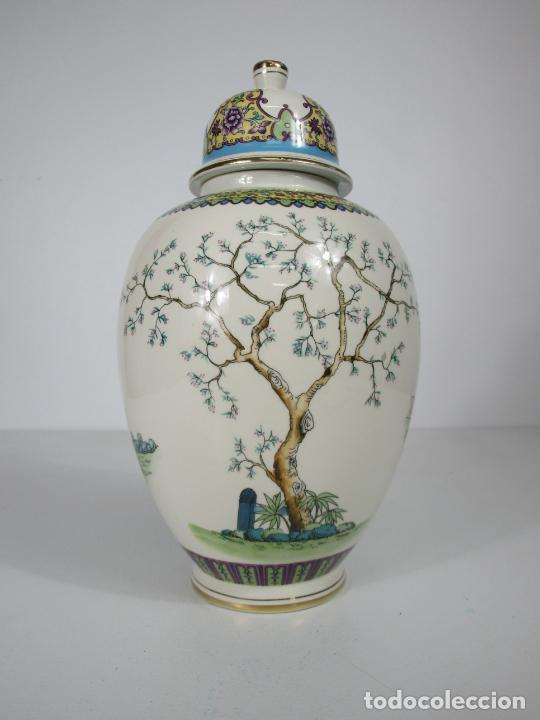 Antigüedades: Pareja de Jarrones Tibor - Porcelana con Motivos Orientales - Sello en la Base - Foto 14 - 212951365