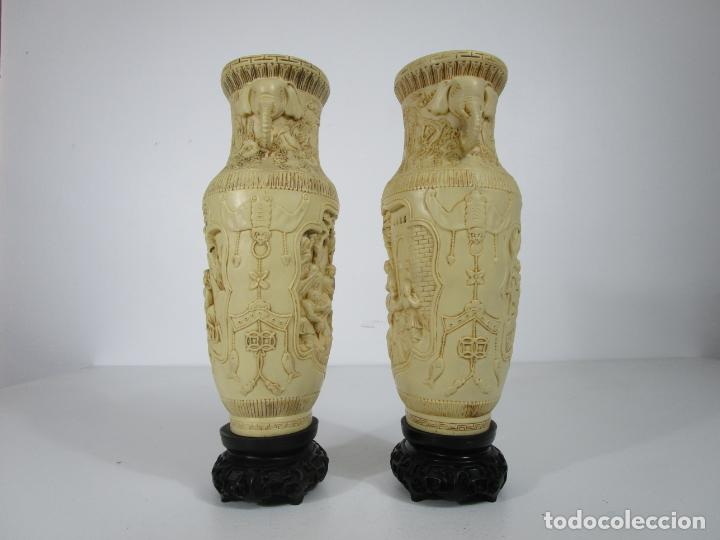 Antigüedades: Pareja de Jarrones - Marfilina - Fina Talla Oriental - con Sello - Altura 30 cm - Foto 8 - 212951681
