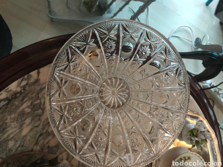 Antigüedades: Centro de mesa o frutero cristal tallado y pie de plata punzonado - Foto 2 - 212974308