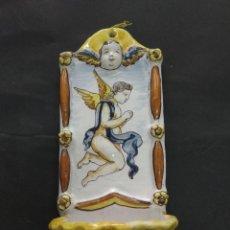 Antigüedades: ANTIGUA BENDITERA CERAMICA ESMALTADA ANGEL QUERUBIN 29 CM FIRMADA. Lote 212996767