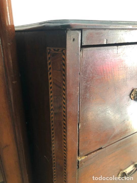 Antigüedades: FANTASTICA COMODA DE CAOBA SIGLO XIX CON PRECIOSA TARACEA EN LOS CANTOS - MEDIDA 121X106X57 CM - Foto 8 - 212998570