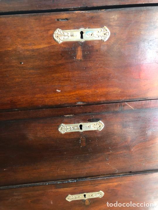 Antigüedades: FANTASTICA COMODA DE CAOBA SIGLO XIX CON PRECIOSA TARACEA EN LOS CANTOS - MEDIDA 121X106X57 CM - Foto 14 - 212998570