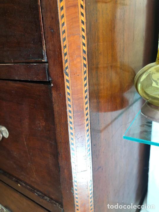Antigüedades: FANTASTICA COMODA DE CAOBA SIGLO XIX CON PRECIOSA TARACEA EN LOS CANTOS - MEDIDA 121X106X57 CM - Foto 21 - 212998570