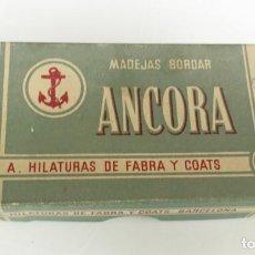 Antiguidades: 6 MADEJAS HILO DE BORDAR ANCORA BLANCO EN LA CAJA ORIGINAL. Lote 213011185
