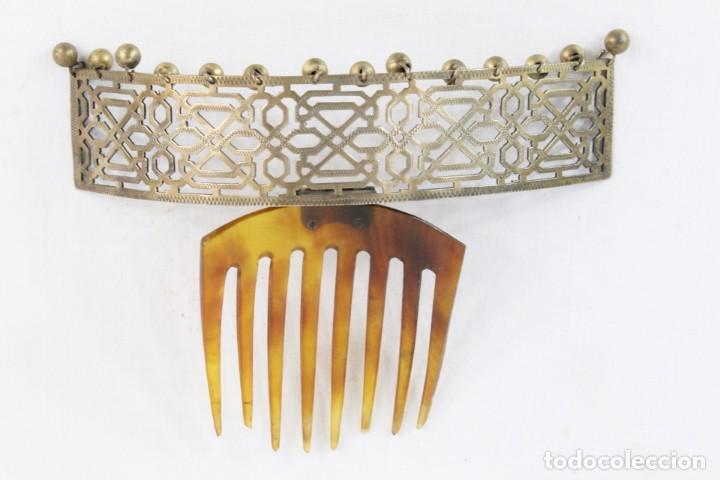 Antigüedades: Preciosa peineta tiara pps del s XIX. Asta y metal con pendentifs de estilo cascabel. - Foto 3 - 213060215