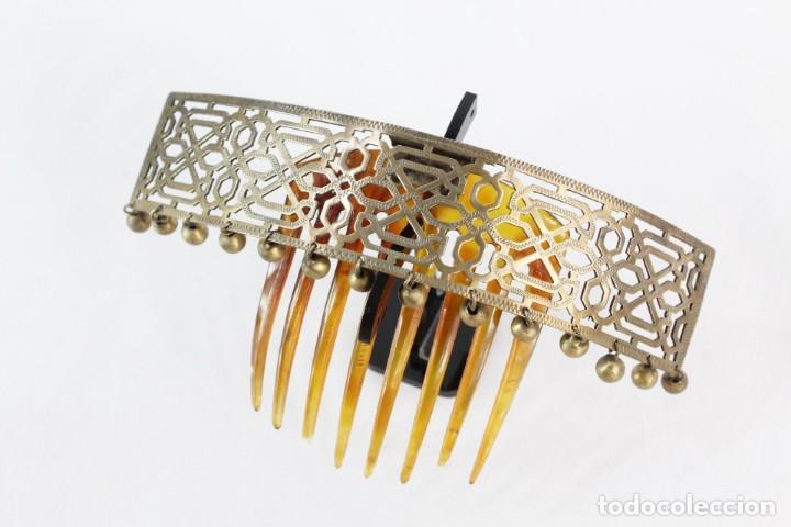 Antigüedades: Preciosa peineta tiara pps del s XIX. Asta y metal con pendentifs de estilo cascabel. - Foto 5 - 213060215
